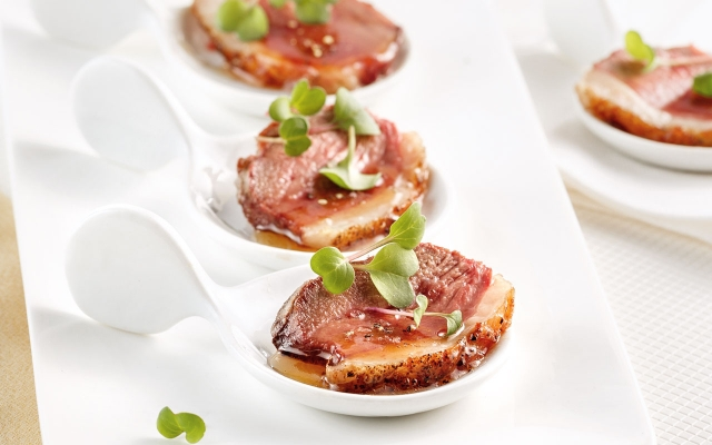 Caramelized duck appetizers